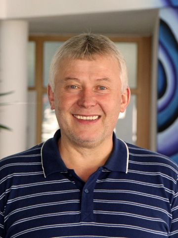 Georg Maurer, Hausmeister